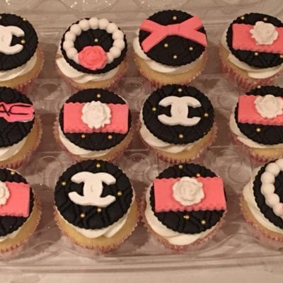 Delorcakery Chanel cupcakes